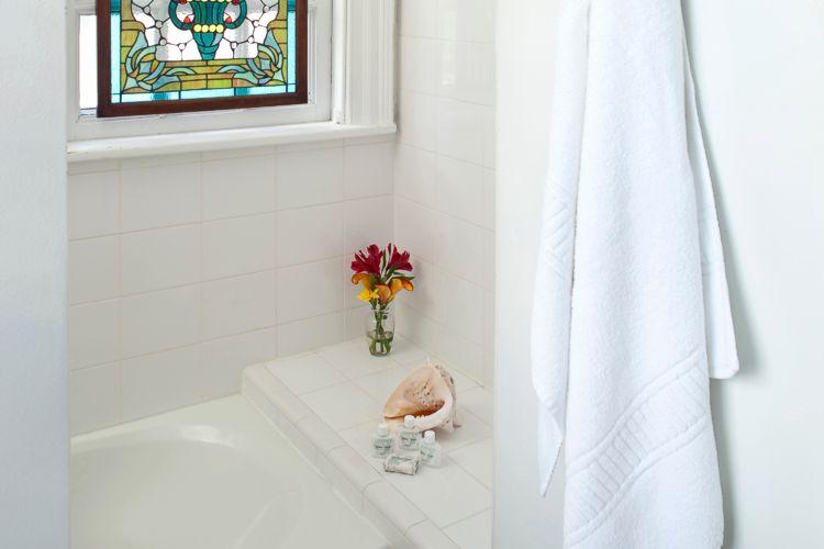 The Twin Elms Bathroom